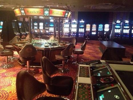 Продам казино зал игровых автоматов игровой зал играть в покер на реальные деньги онлайн
