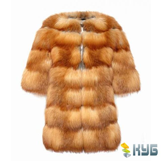 Лисья шубка должна иметь пушистый и гладкий мех умеренной длины, если это не шуба из стриженной лисы