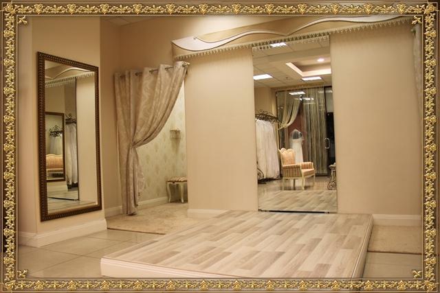 Продается действующий свадебный салон (www.salon-la-provence.ru). Расположен в Торговом Центре уровня В+, район с высокой покупательной способностью